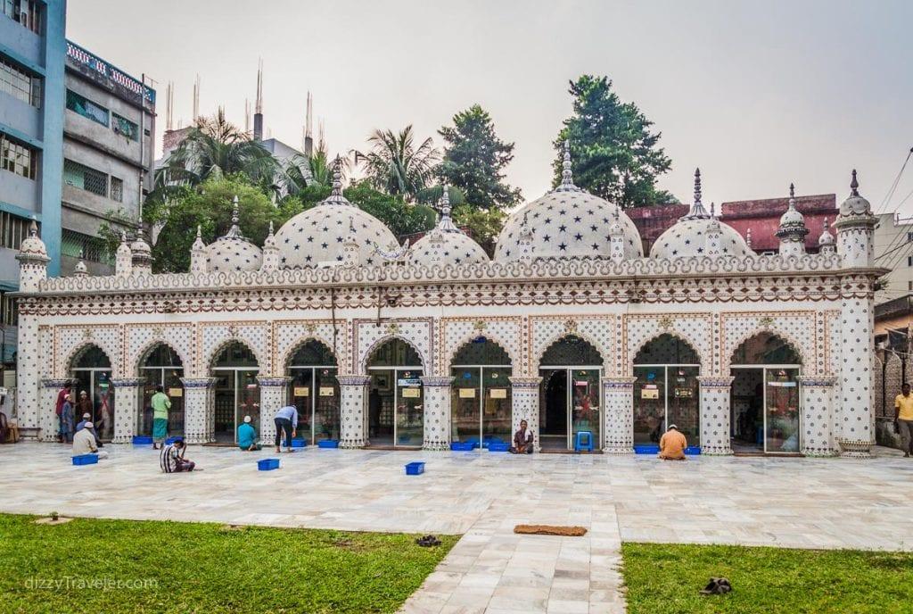 View of Star Mosque (Tara Masjid)